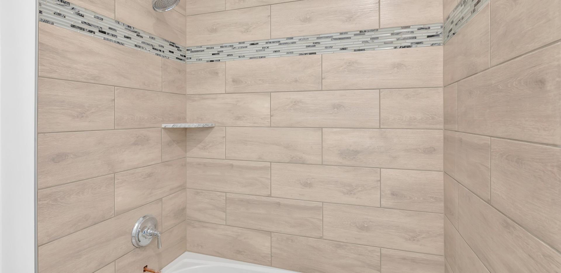 Hall Bathroom.jpg