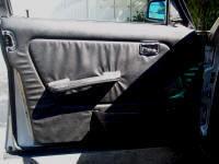 W123 interior door panel