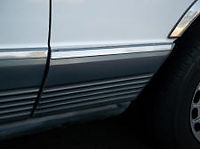 Mercedes W126 fender molding front right