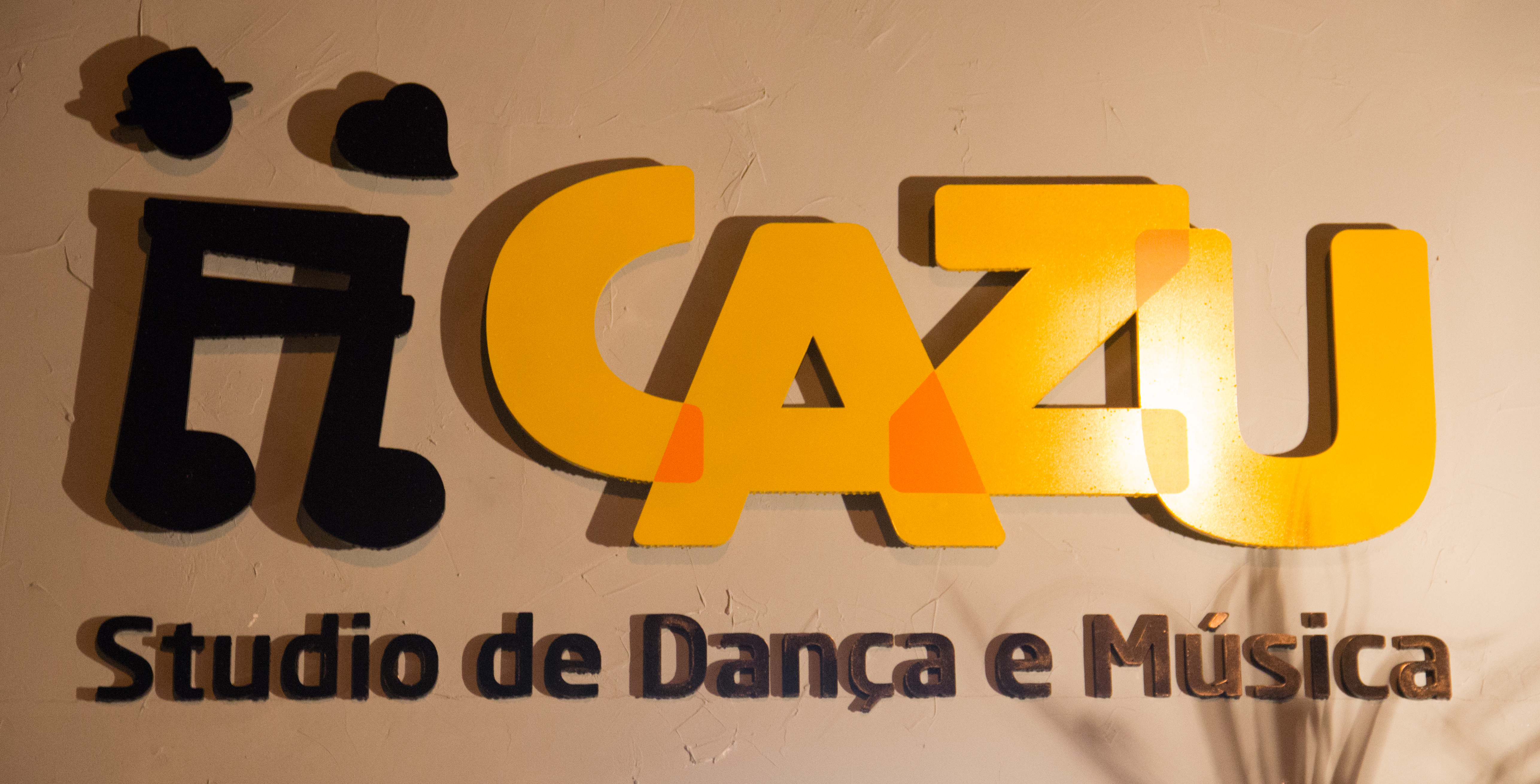 (c) Cazu.com.br