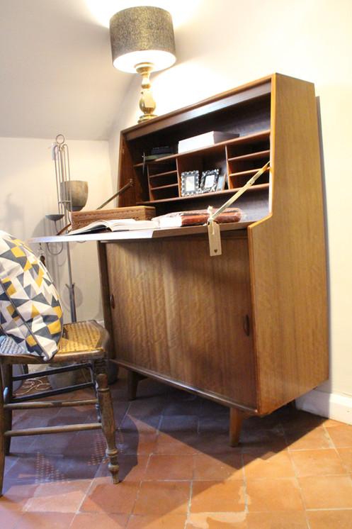Bureau Retro Design.Retro Mid Century Modern Writing Bureau
