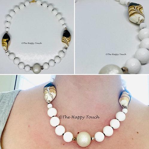 Collier court en agate blanche et perles de Murano
