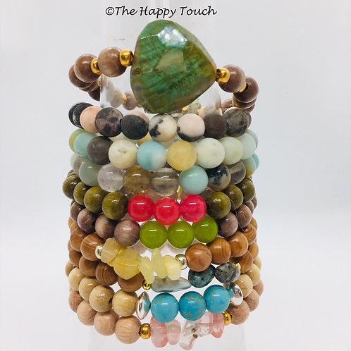 Bracelets en bois et pierres semi-précieuses