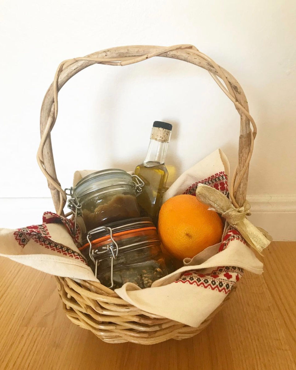 Zero waste gifts - Christmas hamper