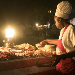 De foodmarket van Fhorodhani in Stone Town is een spektakel om te zien
