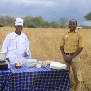 lunch in the middle of the plains of Serengeti.