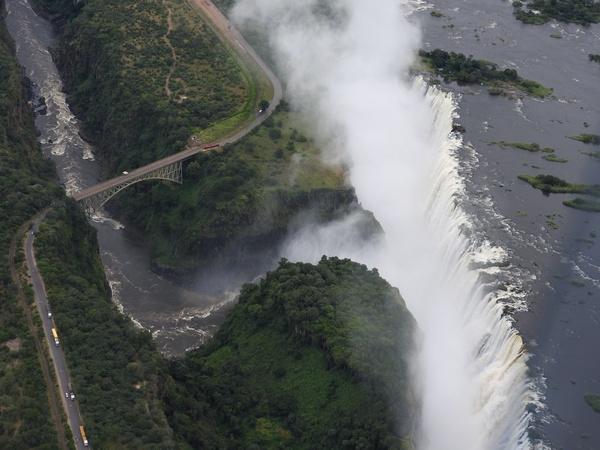 Victoria Falls & crossing from Zim to Za