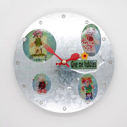 Jin Ningning - Give Me Bubbles clock