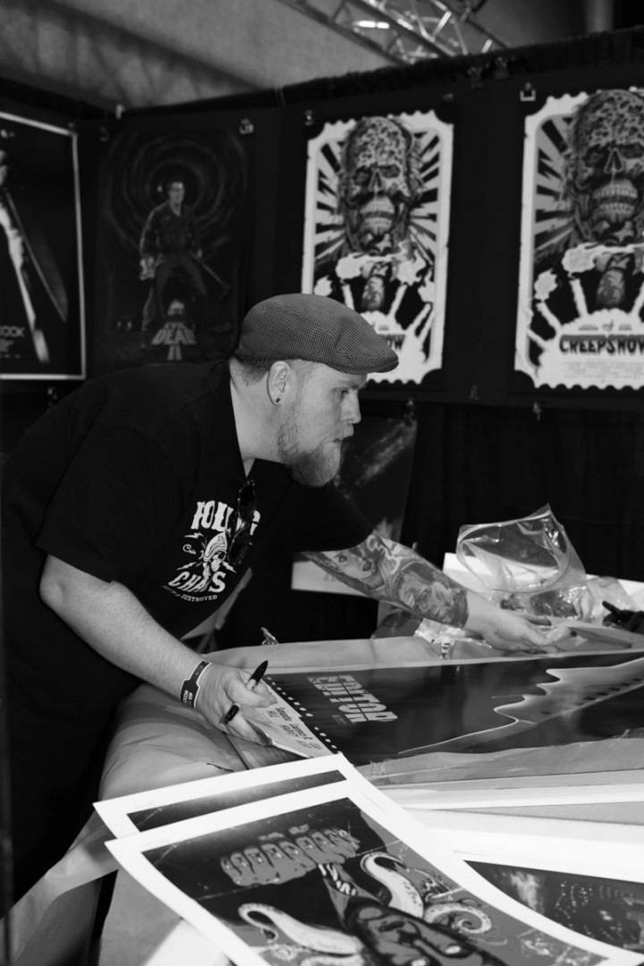 Gary Pullin setting up his booth at the MondoCon 2015 | photo by Holly Burnham