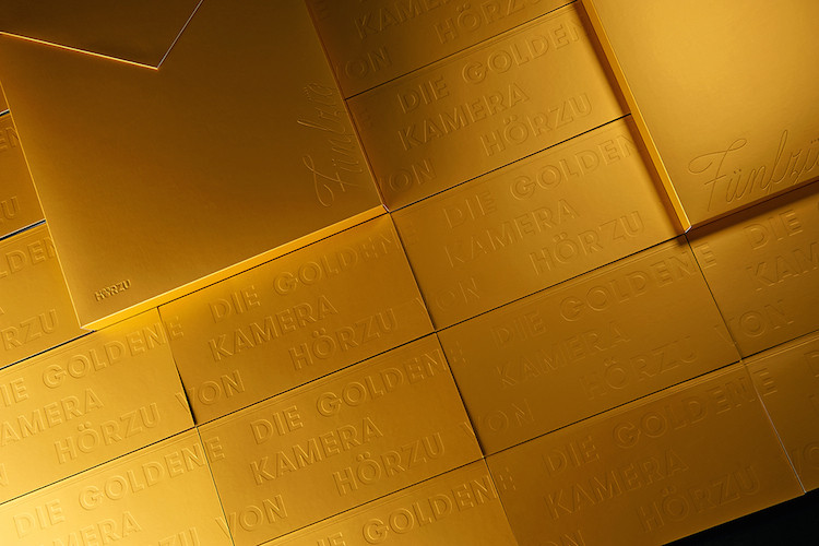 golden camera brand identity4