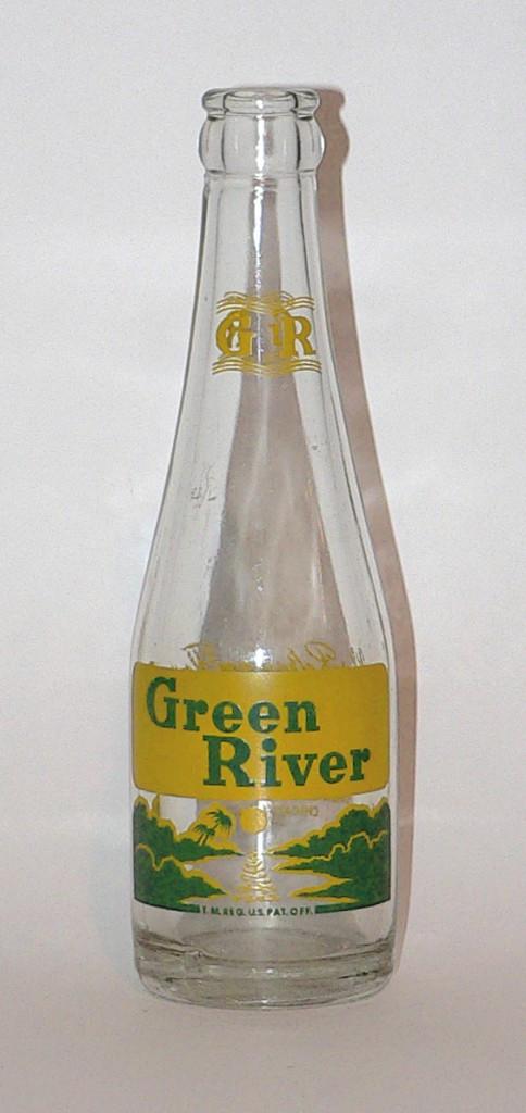 1950s Green River bottle