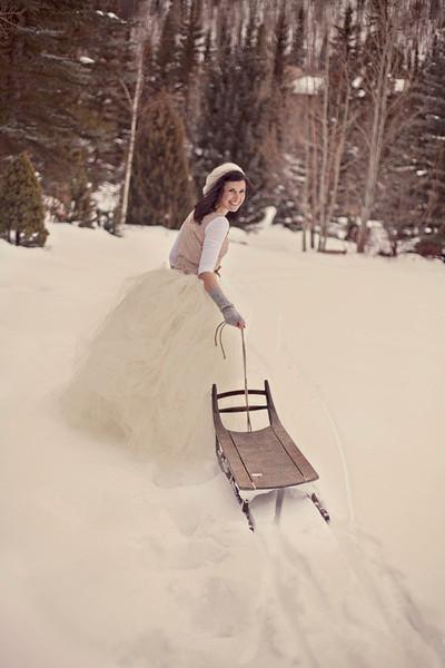 http://www.colourlovers.com/blog/2014/01/09/winter-white-wedding-ideas?utm_source=feedburner&utm_medium=feed&utm_campaign=Feed%3A+Colourlovers+(COLOURlovers+%3A%3A+Color+Trends+%26+Inspiration)
