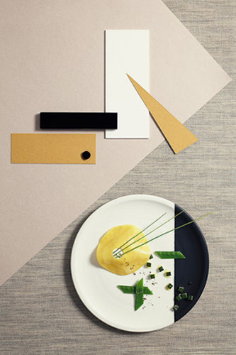 Nicola Walsh and Max Faber of Nicky&Max recreated some classic Bauhaus designs using food.
