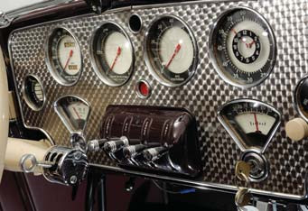 cord-810-convertible-coup-dashboard-design