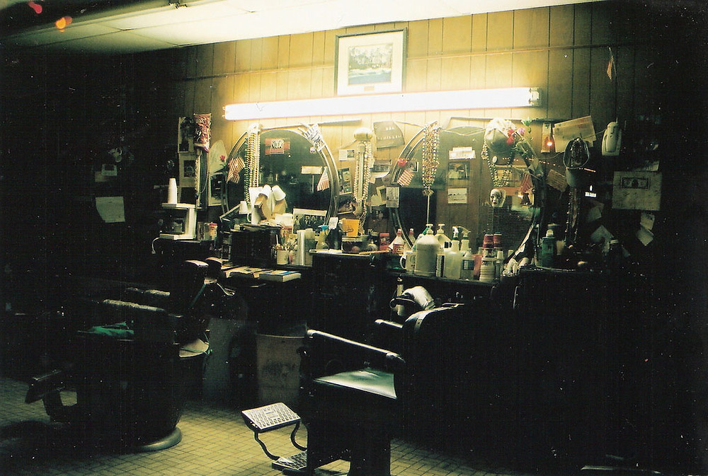 Barber shop by Angie Garrett on Flickr: http://bit.ly/1lKJoWp