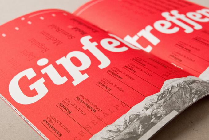 Muriza typeface: Jürgen Schwartz & Jakob Runge created this striking slab serif typeface Muriza.