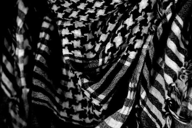 Keffiyeh B&W by Bethany Khan on Flickr: http://www.flickr.com/photos/bethanykhan/4030690968/