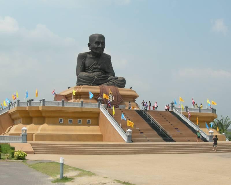 Hua Hin Luang Phor Tuad, big-buddha