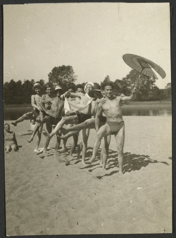 Irene Bayer-Hecht: (Bauhaus Students at the Beach), about 1926. Gelatin silver print, 2 15/16 x 2 1/8 in. Credit: The J. Paul Getty Museum, Los Angeles.