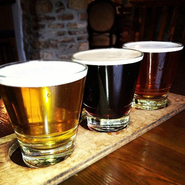Beers n' ales by Darren Moloney via Flickr: http://bit.ly/1oTlKLT