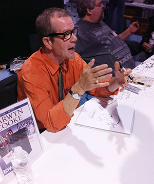 Darwyn Cooke at the Long Beach Comic Con, 2011. Photo: M. Dooley.