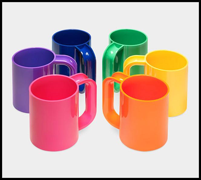 massimo-vignelli-rainbow-mugs-1975