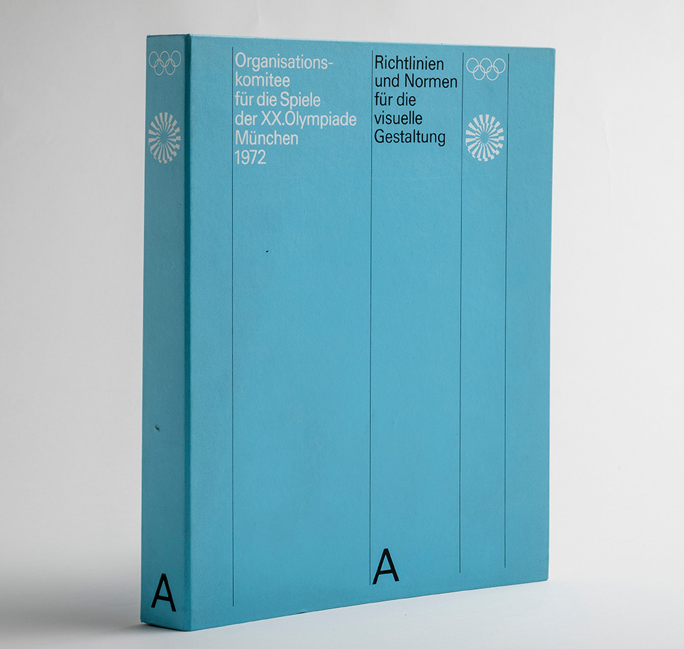 the first book with a complete overview of the history of the design of the Olympic Games