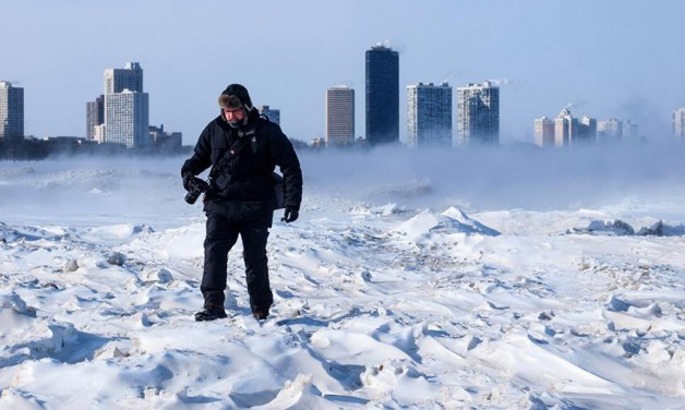 http://www.mnn.com/earth-matters/climate-weather/blogs/greetings-from-chiberia-11-surreal-shots-of-the-windy-citys