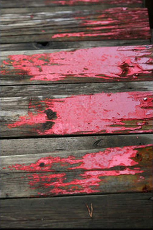 fading red paint by a.dombrowski via Flickr: http://bit.ly/1jEqrXZ