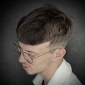 Photo d'un homme pour représenter les services coiffures disponibles pour les hommes