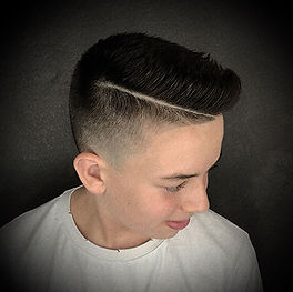 Photo d'une coiffure garçon tendance