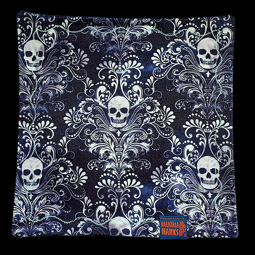 Valkiria Hanks - Blue Skull paisley