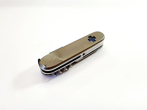 Victorinox Compact Cybertool Titanium