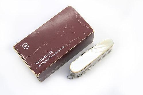 Victorinox Swisschamp Mother of Pearl de los 80s