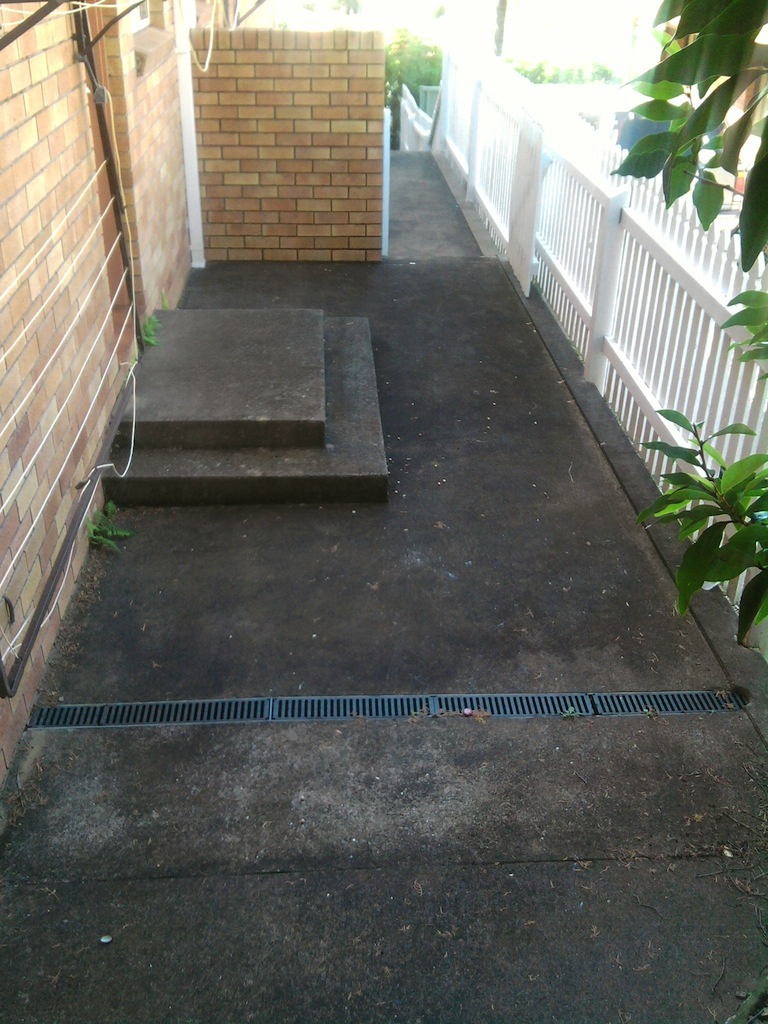 High Pressure Cleaning Gold Coast Concrete Before 1