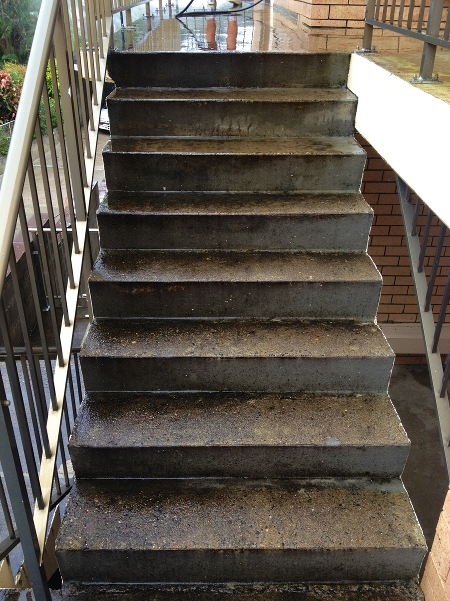 High Pressure Cleaning Gold Coast Steps Before 3