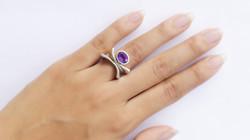 KS299-finger1