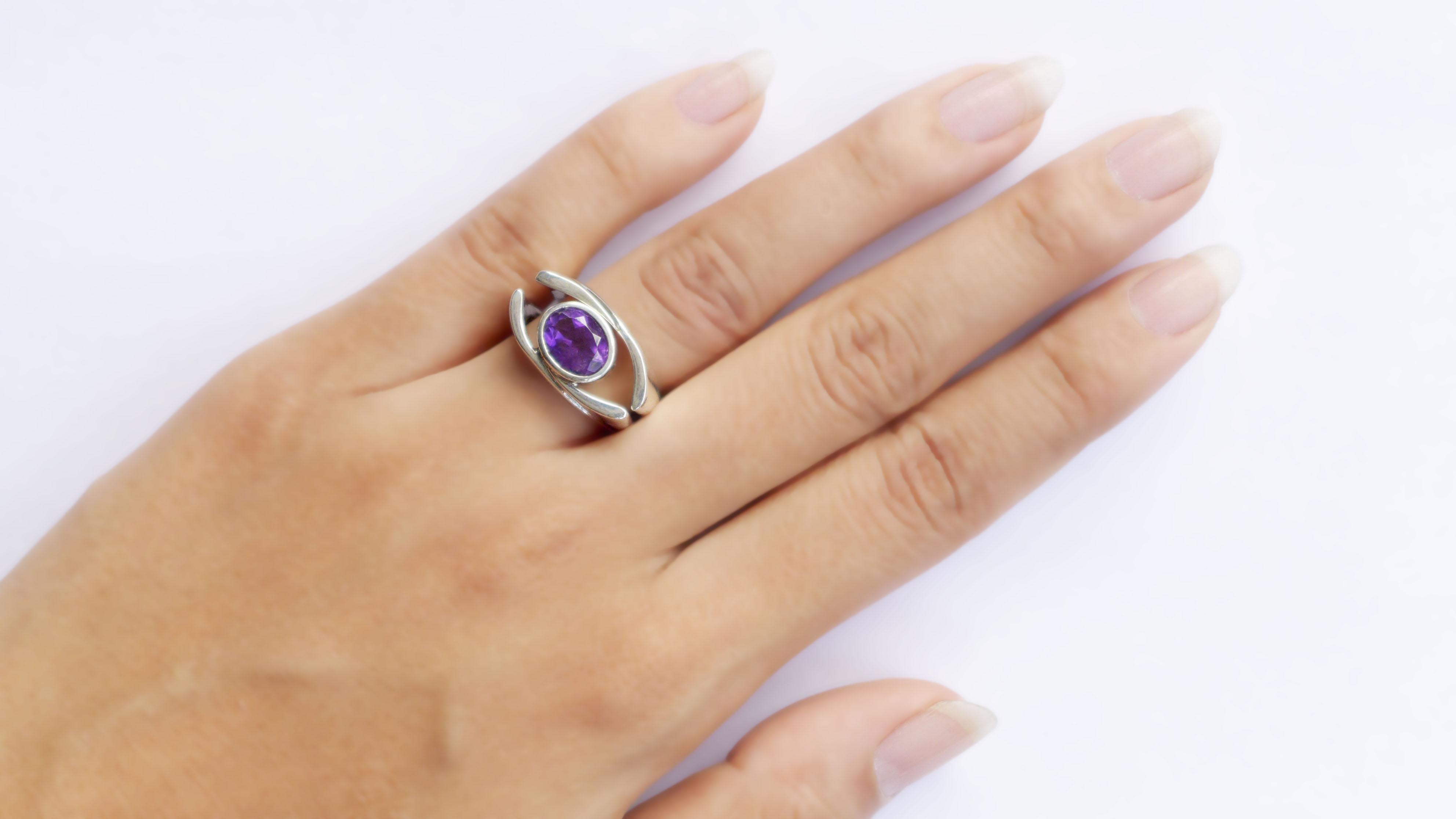 KS299-finger2