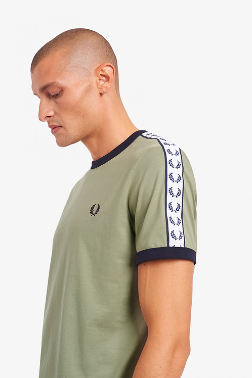 CAMISETA OLIVA RIBETES FRED PERRY