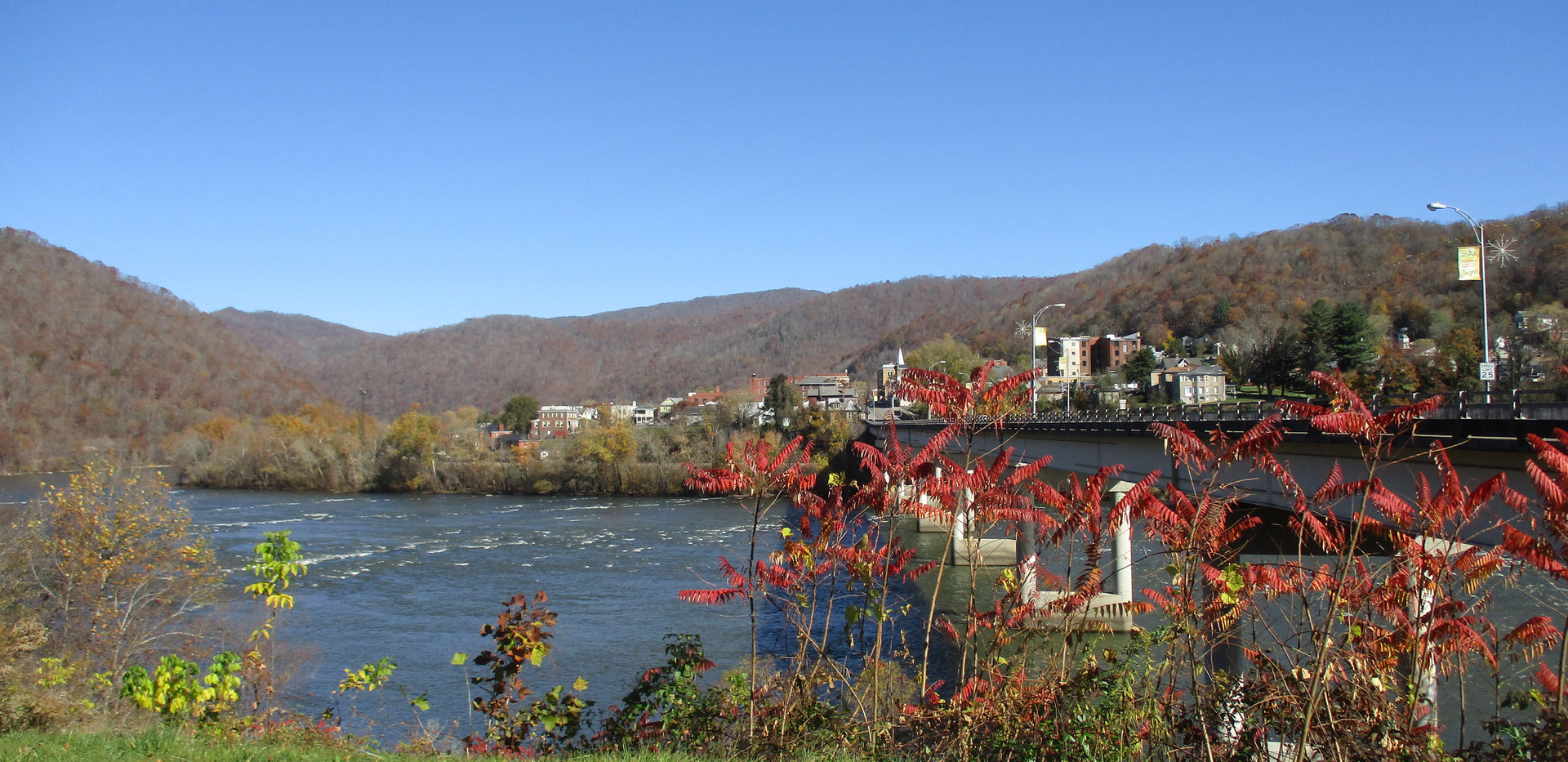 Historic Hinton across New River