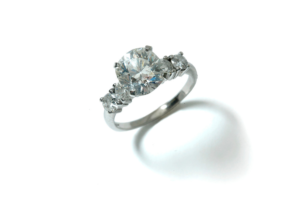 Diamond platinum ring, Attributed to Irving Schiffman, Pittsburgh.