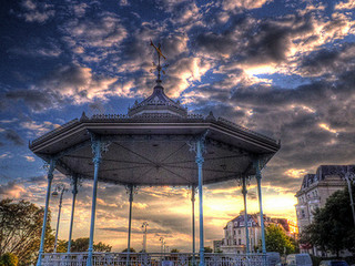 Review - Bandstand Music