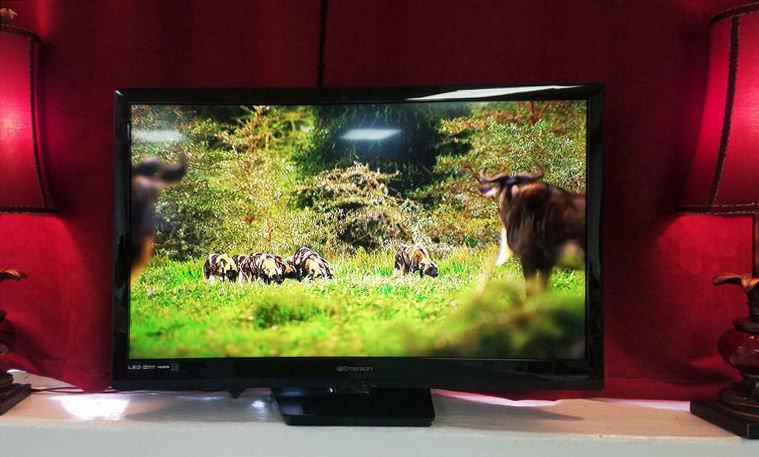 Is Emerson Lf320em4 A Smart Tv