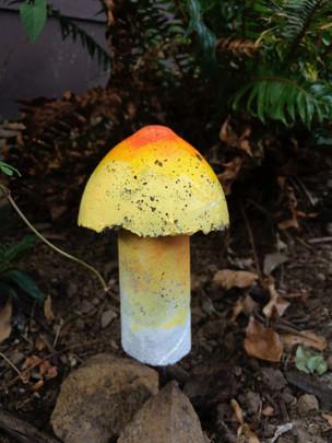 Concrete Garden Mushroom