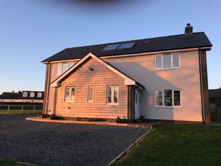 Impressive detached cottage