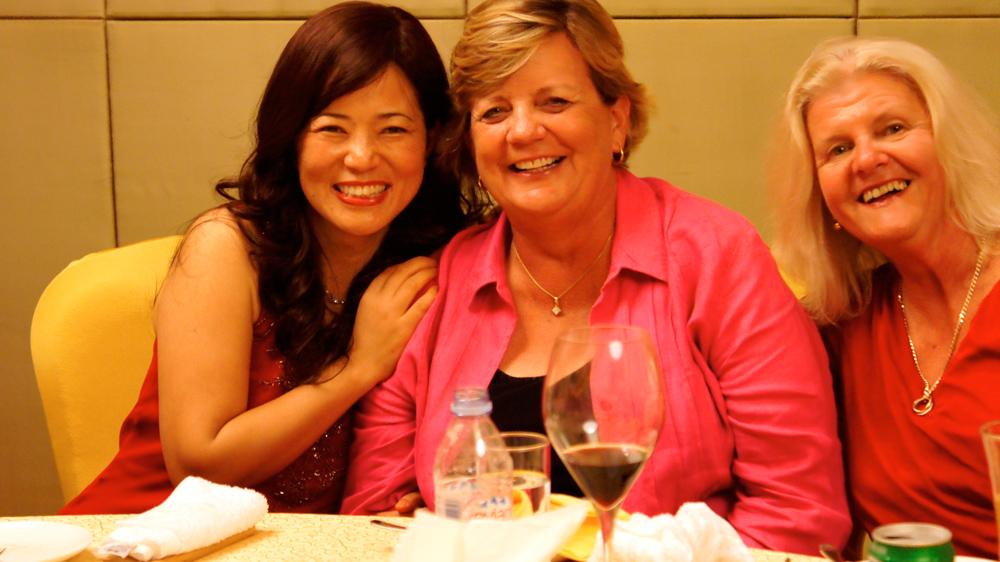 Happy-sisters.jpg