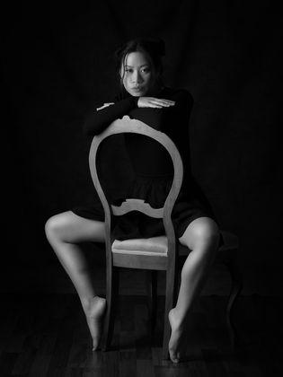 Julia-portrait-bnw-2.jpg