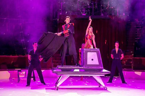 Magicien Cirque de Noël