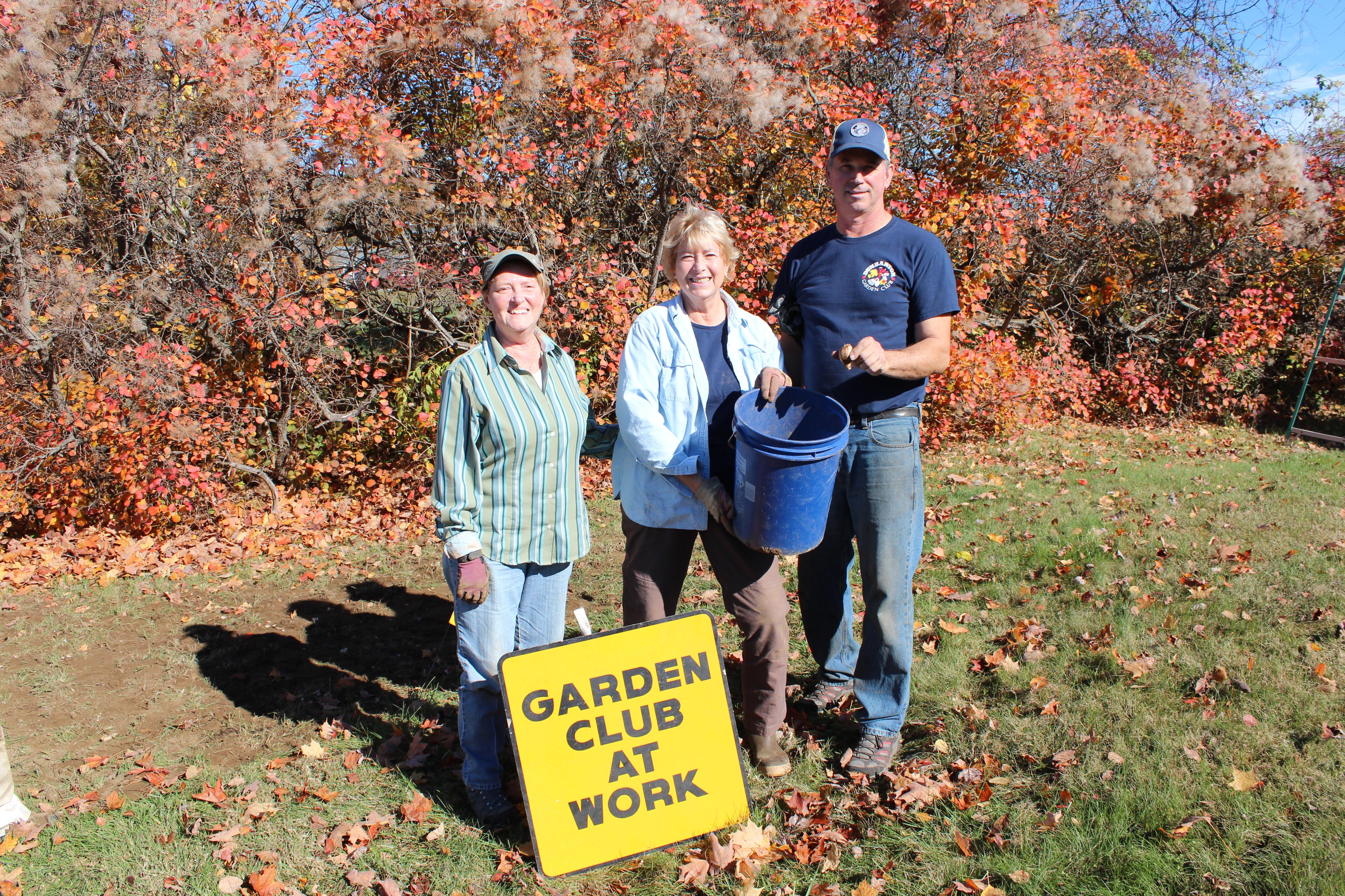 2014 Daffodil Planting 10-25-14 129.JPG
