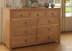 Solid-Oak-Chest-with-9-Drawers
